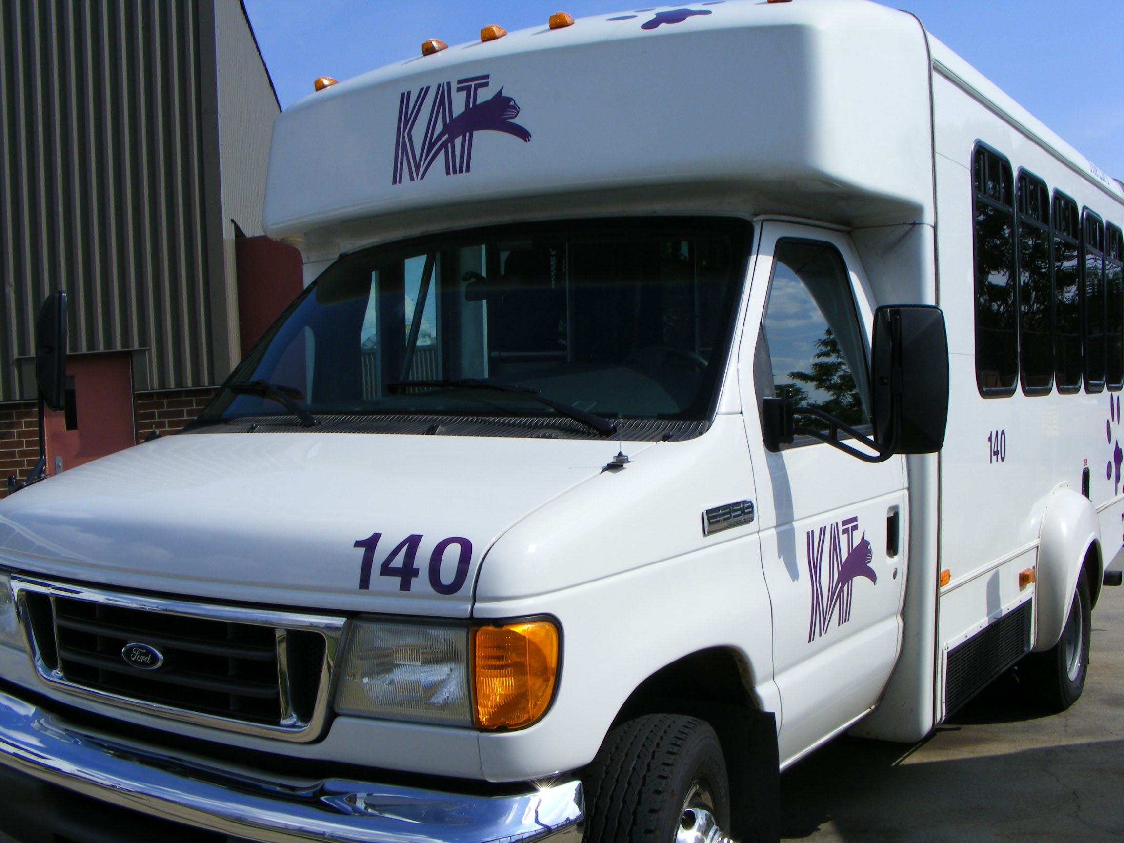 Knoxville Area Transit Ford E350 140