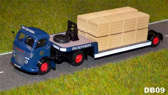 Pickfords Commer QX low loader