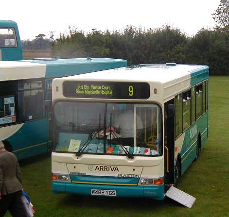 Arriva the Shires W482YGS