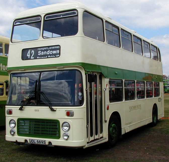 Southern Vectis Bristol VR 669