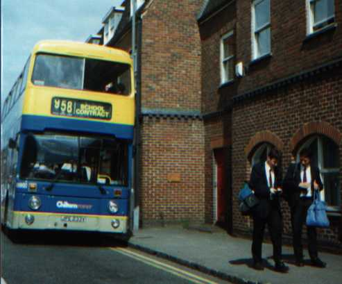 Luton & District Shires AN233